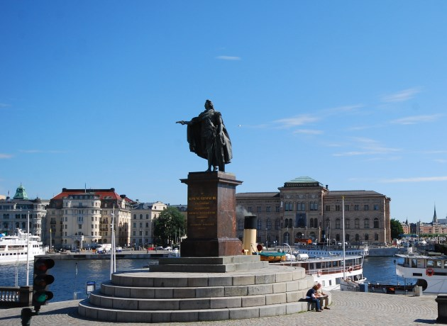 Statue of King Gustave III and the National Museum in the background.